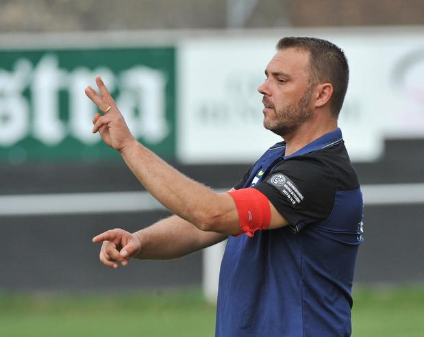Trainer Nordine Vanroosbeke stapt op bij RC Lauwe