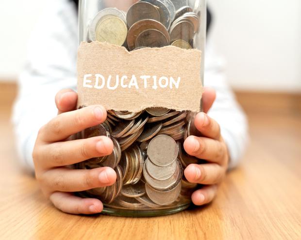 Gratuité de l'enseignement: une école qui réclamait des frais scolaires déboutée