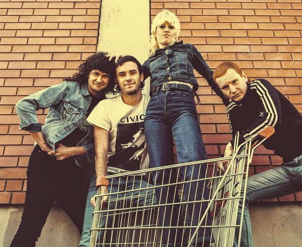 9 Amyl and the Sniffers