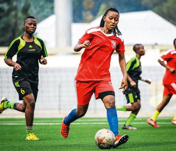 """Rwanda : le football pour """"réparer"""" les femmes ?"""