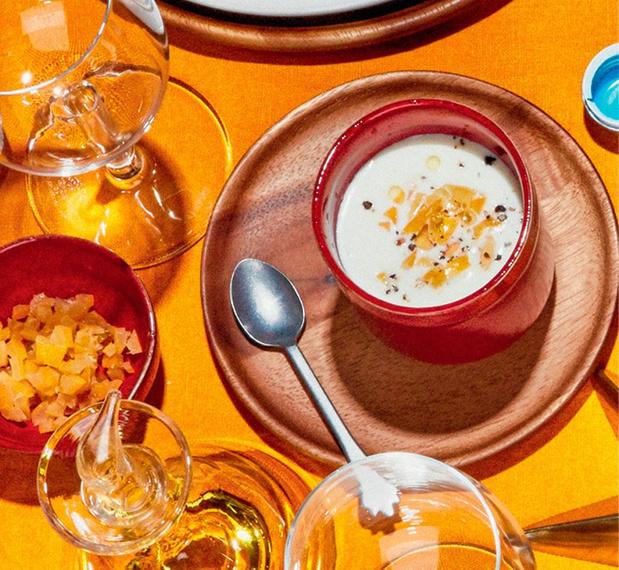 Amuse-bouche: Crème de panais au citron confit et amandes effilées