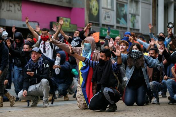 Protesten Colombia: avondklok ingesteld, president roept op tot 'nationaal gesprek'