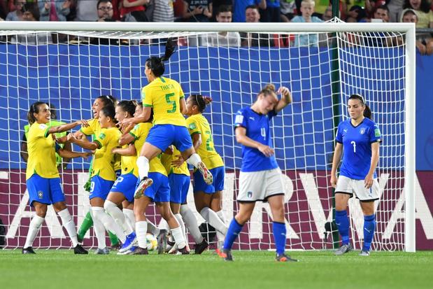 Marta bezorgt Brazilië met historische treffer de zege tegen Italië