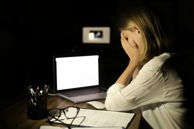 Een op de tien Belgen wordt digitaal gepest door collega