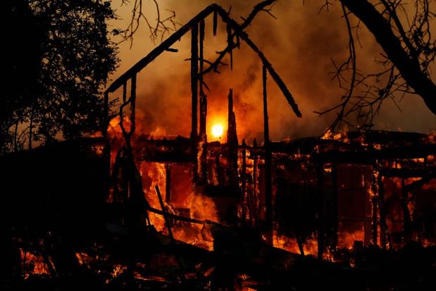 Californische gouverneur roept noodtoestand uit vanwege bosbranden