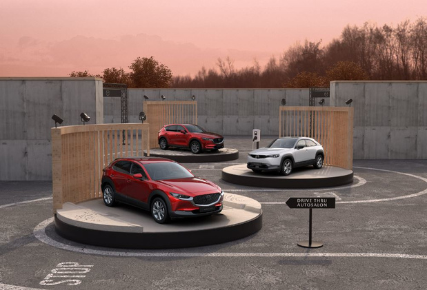 'Drive Thru' Autosalon bij Mazda