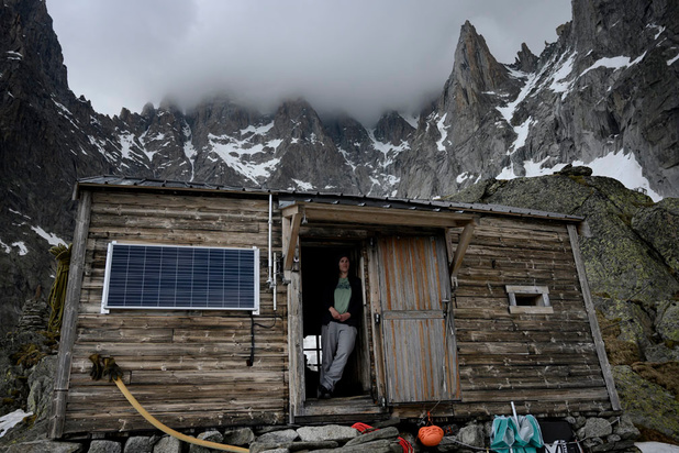 En images: dans l'intimité d'un refuge de poche vieux de 115 ans, perché au-dessus de Chamonix