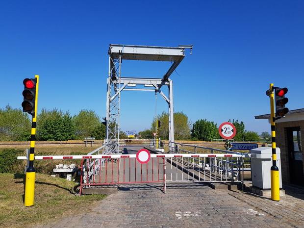 Kellenaarsbrug in Pollinkhove tijdelijk onderbroken