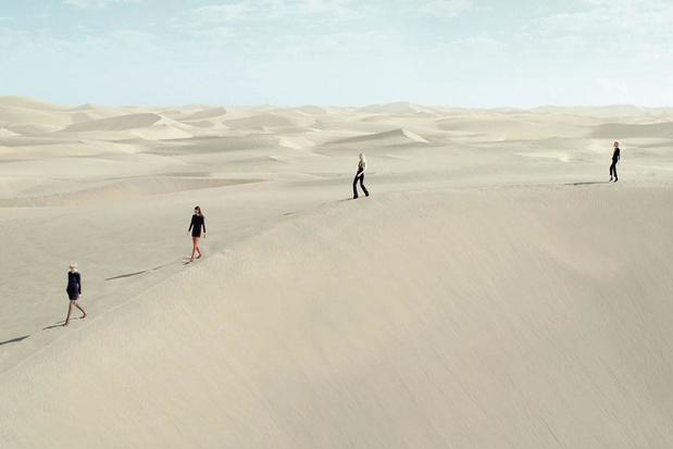Weg van de traditionele catwalk: ontwerper Anthony Vaccarello trok naar de Sahara