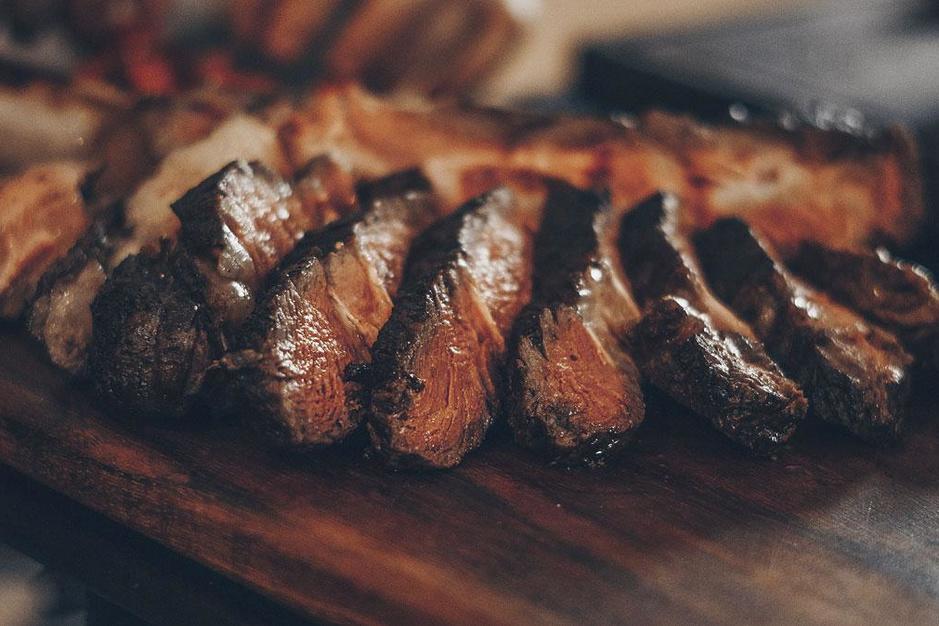 Verstand van vlees: zo bak je steak voor échte fijnproevers