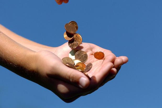 Meer dan helft Belgen gebruikt minder cash