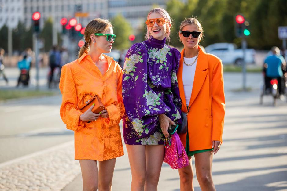 Street style: de mode-elite van Kopenhagen kiest voor kleur, wol en patchwork tijdens fashion week