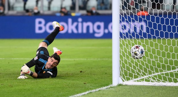 Thibaut Courtois critique envers l'UEFA et la FIFA sur l'enchaînement des matches