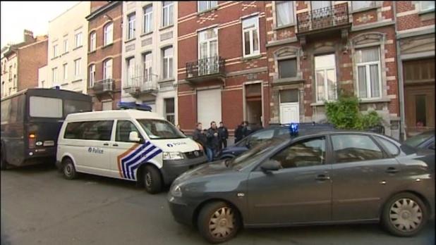'Illegaal verblijf vervolgen zou een prioriteit moeten zijn'