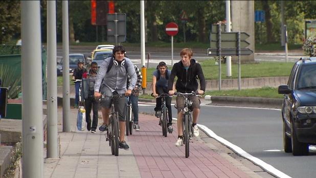 Slimme verkeerslichtjes brengen onveilige fietspunten in kaart