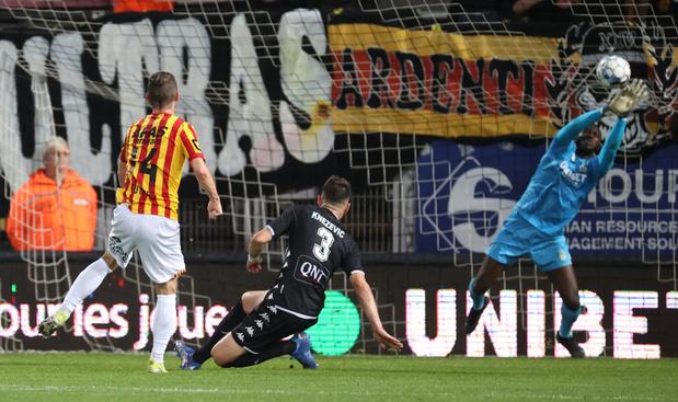 Charleroi surpris par Malines, Genk serein contre Seraing
