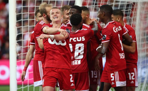 Le Standard s'impose contre Ostende grâce à un but contesté