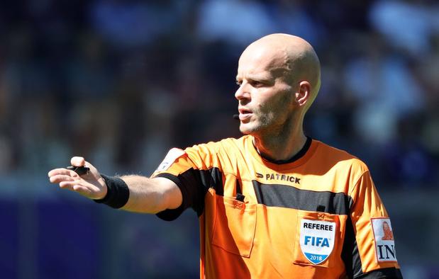 Sébastien Delférière est toujours payé en partie... comme arbitre