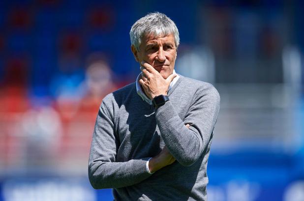 Le FC Barcelone a limogé son entraîneur Quique Setién