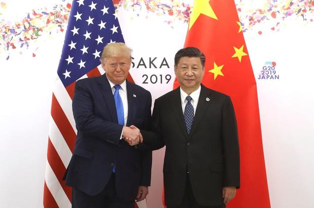 """Trump semble suggérer une """"rencontre"""" avec Xi Jinping"""