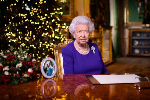 Covid: la reine Elizabeth II vaccinée, le Royaume-Uni dépasse les trois millions de cas