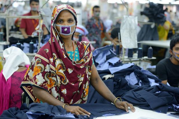 Kledingarbeiders die werken voor H&M, Primark en Nike wachten nog steeds op loon