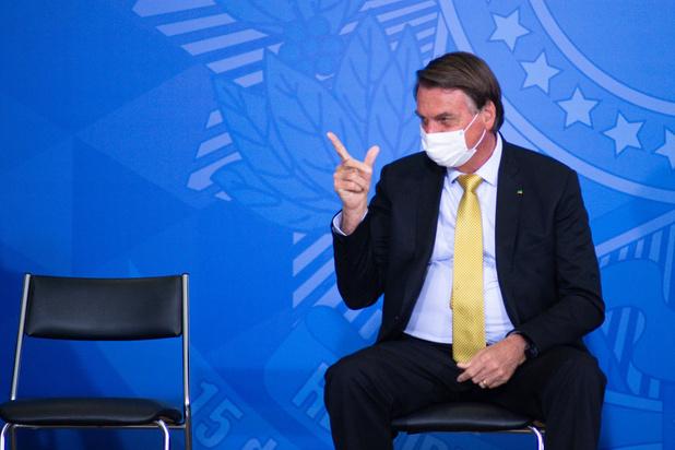 """Jair Bolsonaro """"chie"""" sur la Commission d'enquête sénatoriale"""