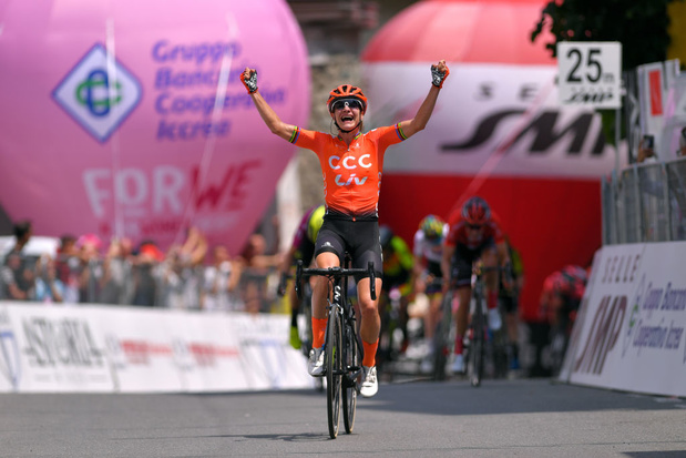Marianne Vos snelt naar zege in de Giro Rosa