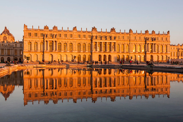 Koninklijke paleizen laten virtuele toeristen binnenkijken