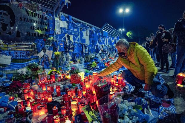 """Maradona: """"trop de gens sans masques"""" à Naples, met en garde Gattuso"""