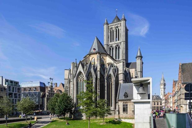 Gent steekt Sint-Niklaaskerk 'in brand' voor vijfde editie Lichtfestival