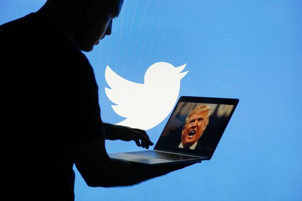 Les personnes ayant une fonction publique doivent-elles être limitées sur les réseaux sociaux?