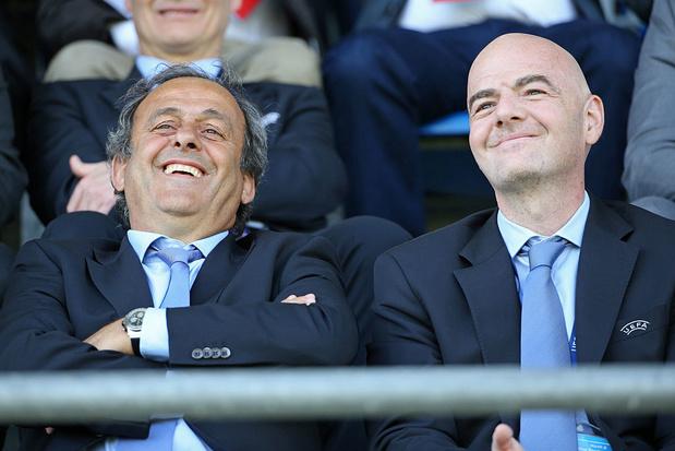 """Infantino devrait """"remettre son mandat"""", estime Platini"""