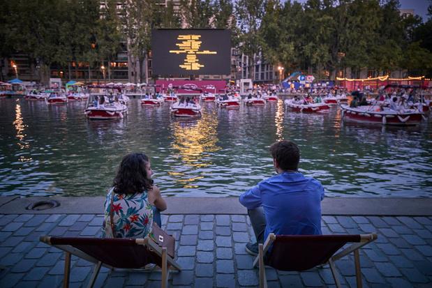 Seine in Parijs verandert in drijvende cinema