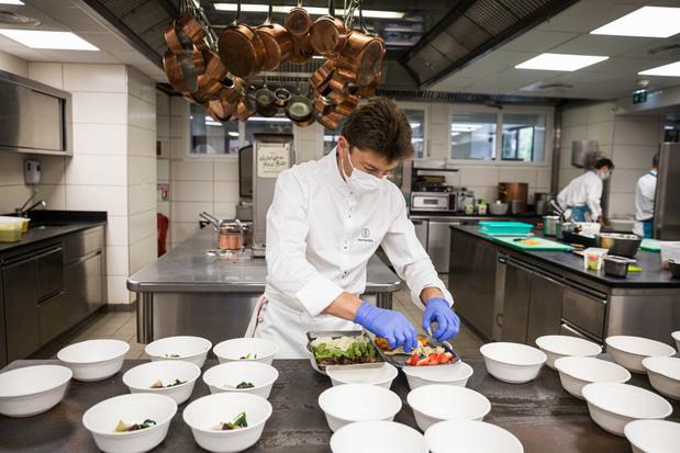 Des drives gastronomiques aux cagettes: les chefs étoilés se réinventent