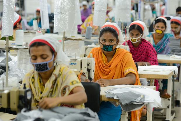 Meer uren voor minder geld: textielwerkers zien arbeidsrechten terugdraaien sinds covid