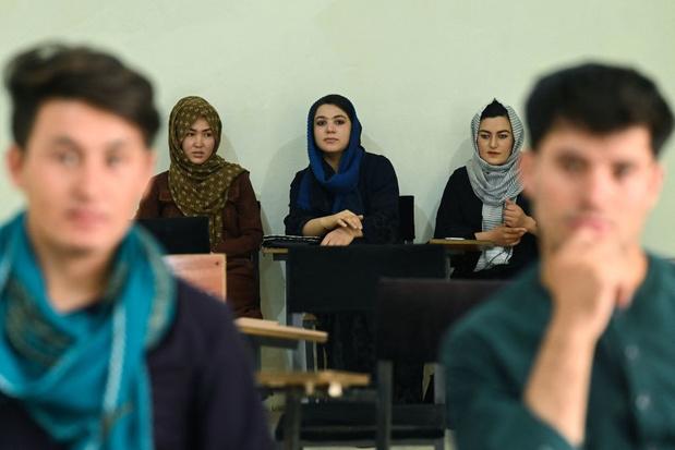 Taliban voeren apart onderwijs in voor mannen en vrouwen aan universiteiten