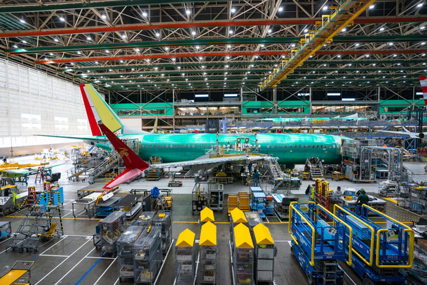 Boeing vervangt robots door mensen