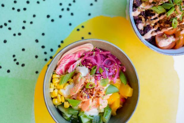 Nieuw pokérestaurant in Antwerpen combineert de Hawaïaanse en Belgische cultuur