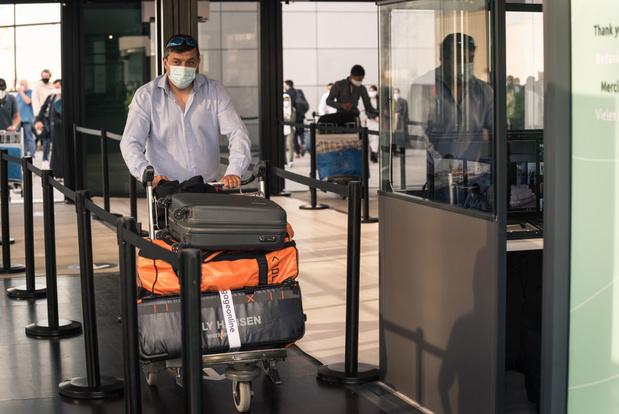 Verplicht invullen Passenger Locator Form noodzakelijk in strijd tegen virus
