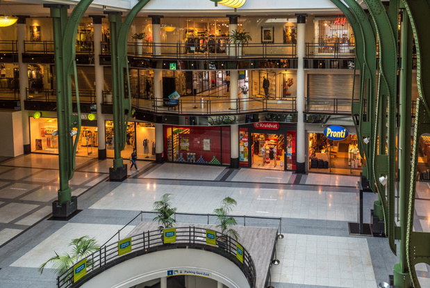 Shoppingcentra kregen kwart minder bezoekers over de vloer