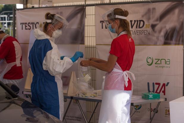 Covid en Belgique: près de 3.500 nouvelles contaminations dépistées par jour