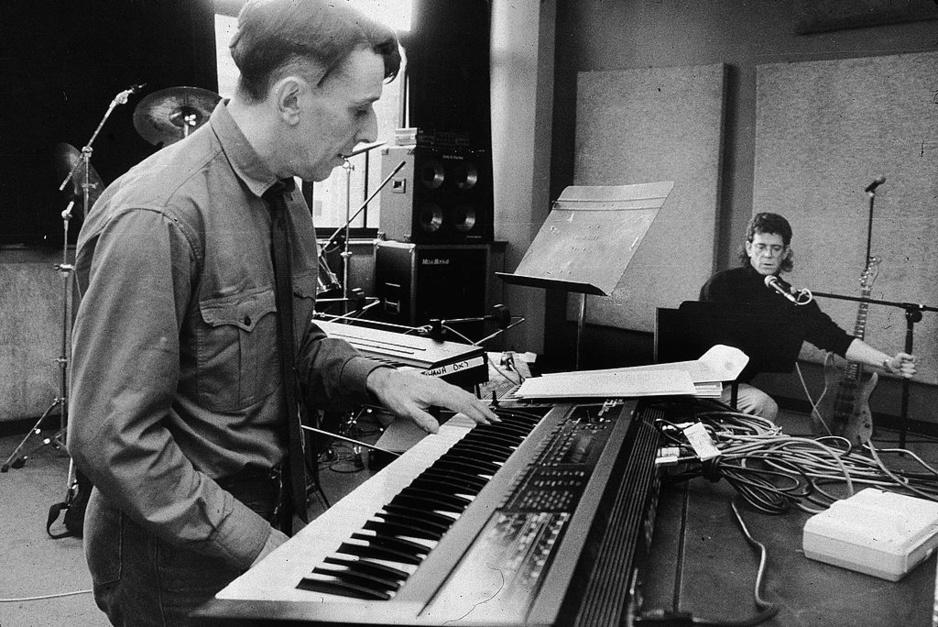 Hoe Lou Reed en John Cale, door de dood van Andy Warhol, tijdelijk de strijdbijl begroeven