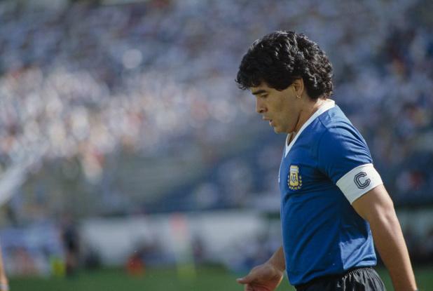 """""""Dans les mains de Dieu"""": la presse internationale réagit au décès de Maradona"""