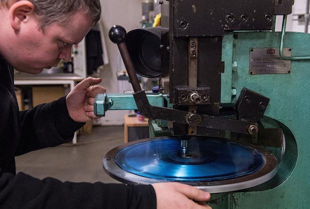Na grote vinylbrand in Californië: platenperserijen in Lage Landen nauwelijks getroffen