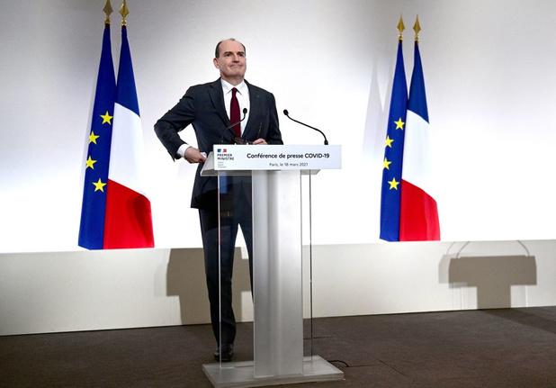 La France reconfine 16 départements: commerces non essentiels fermés et sorties limitées