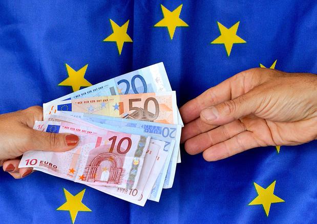 Banques UE: 20 milliards d'euros dans les paradis fiscaux chaque année