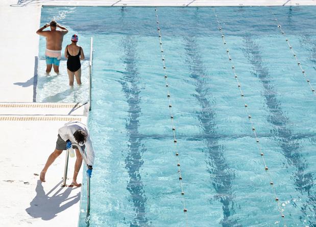Zwembaden, pretparken en bioscopen mogen deuren opnieuw openen