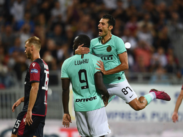 Lukaku offre à l'Inter sa seconde victoire de rang face à Cagliari et Nainggolan