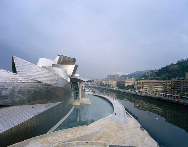 Zuivere lucht dankzij reclame bij Guggenheim in Bilbao